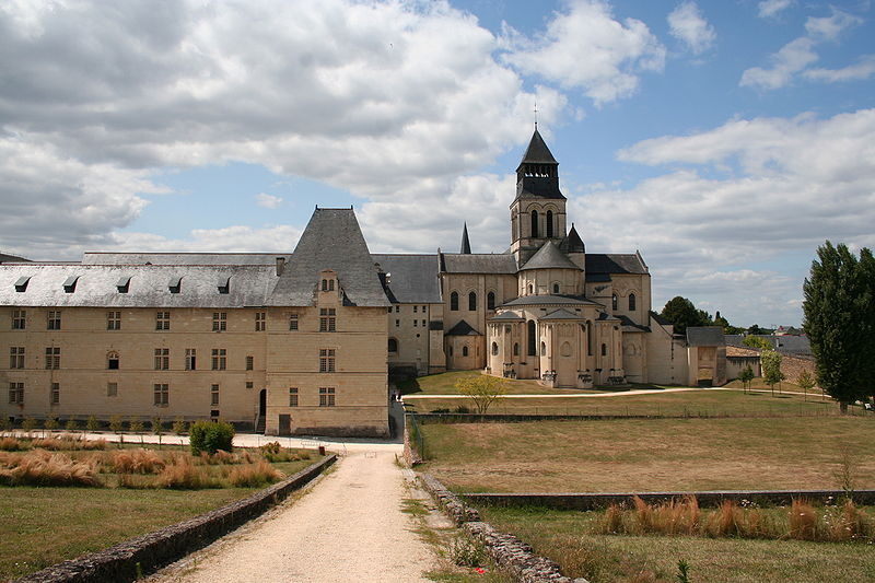 Abbaye_de_Fontevraud (source: Wikipedia)