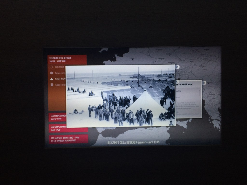 Memorial du camp de RivesAltes, cartographie interactive sur écran multitouch